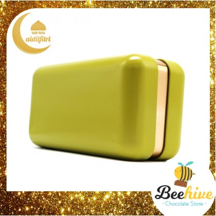 Beehive Snackies Avocado Green Premium Raya Gift Tin with Beryl's Chocolate Dried Fruits and Flowers